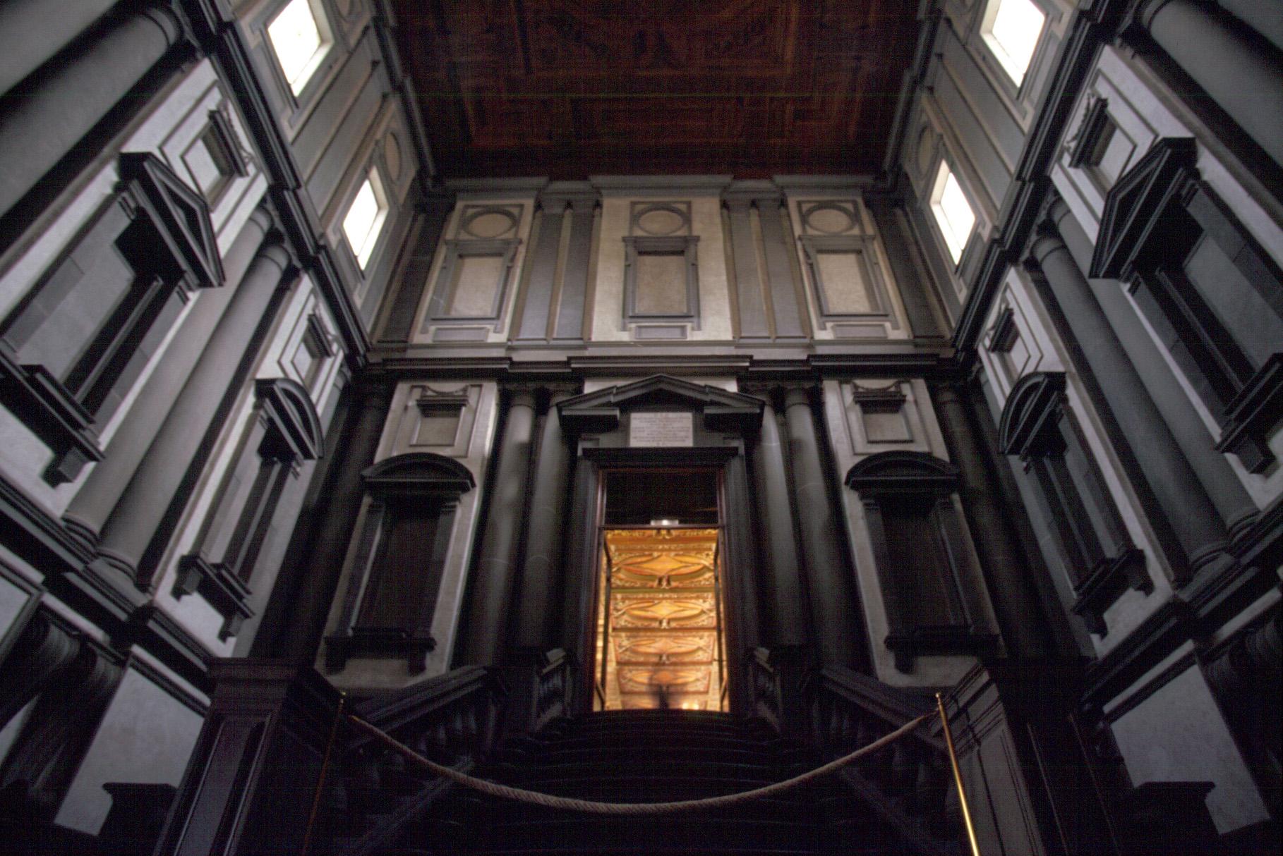 ラウレンツィアーナ図書館 階段室