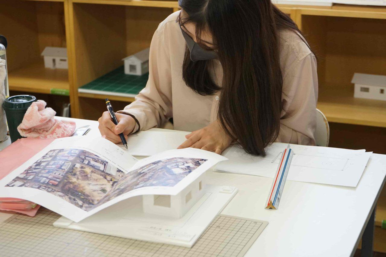 デザインファーム建築設計スタジオ 授業風景