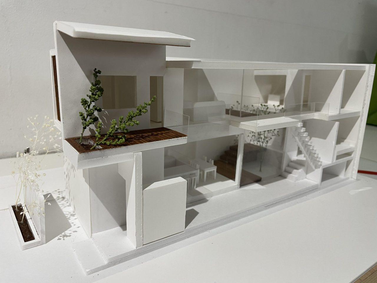 夜間部・土曜部2年生 設計課題「コートハウス」発表講評会
